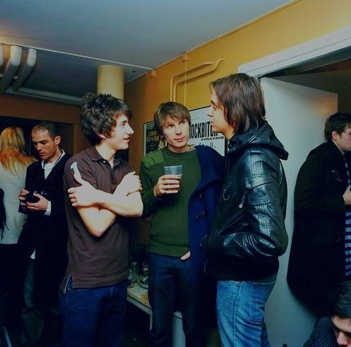 Those were the days. Alex Turner (ARCTIC MONKEYS), Alex Kapranos (FRANZ FERDINAND) and Julian Casblancas (THE STROKES) have a chat.