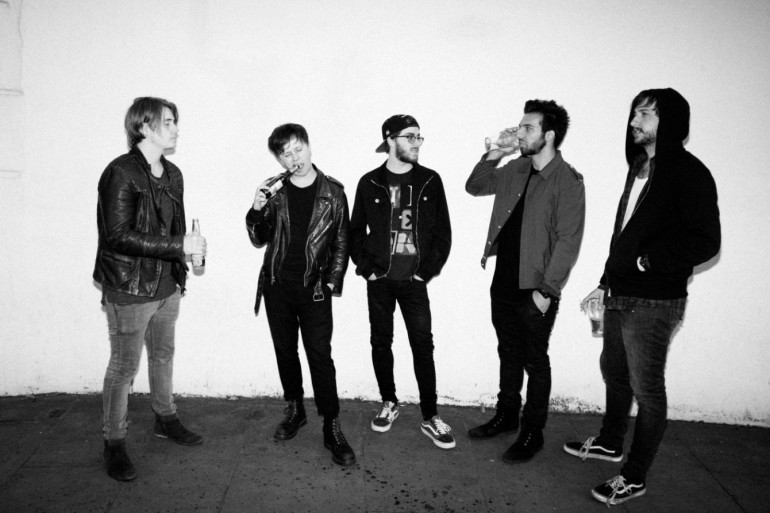 Nothing But Thieves - Press 2015 -2