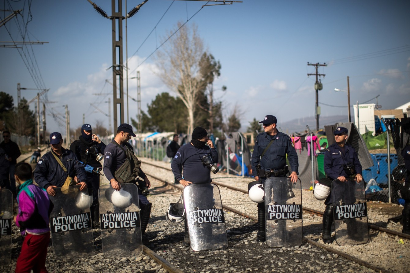 Police at the Greek/Macedonian border - photo by Bastian Fischer