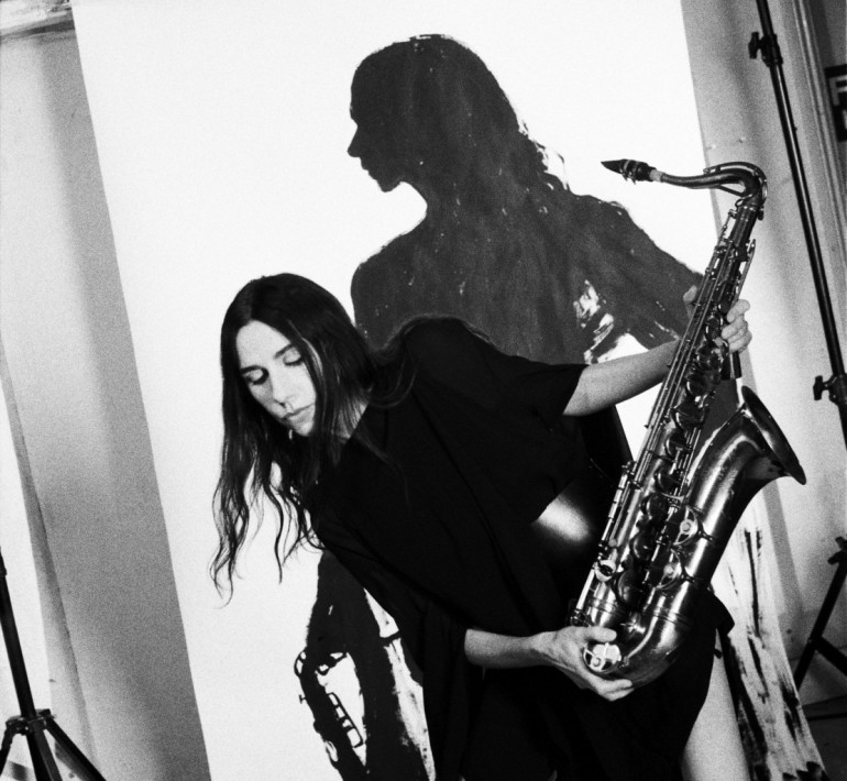 PJ Harvey - Photo by Maria Mochnacz