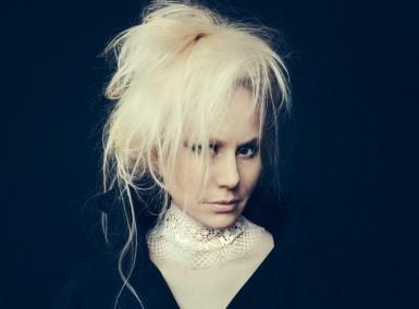 Susanna - Photo by Anne Valuer