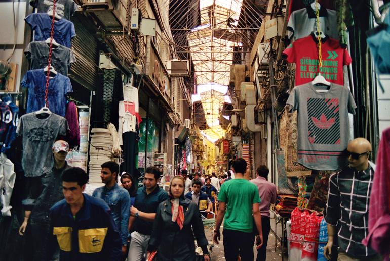 In a Tehran bazar. (Picture by Bastien Perroy)